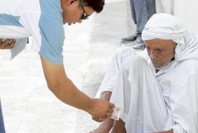 迪拜丐帮人均月入近50万人民币是真的吗