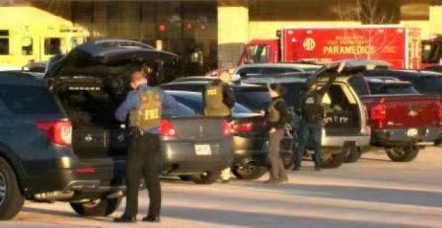 美国威斯康星州沃瓦托萨市一购物中心发生枪击